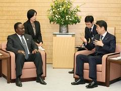 ドス・サントス・アンゴラ国会議長による表敬-平成28年3月22日