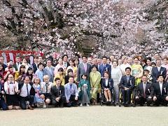 総理主催「桜を見る会」の開催-平成29年4月15日