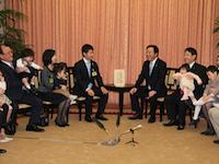 育メン首長による表敬-子育て支援を強化-平成24年3月20日(ハイライト)