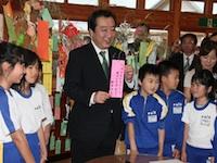 福島県下訪問―魚市場や農産物検査所、小学校等を視察―平成24年7月7日(ハイライト)