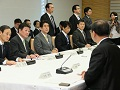 「経済の好循環」の実現に向けた中小企業経営者との懇談会-平成25年12月16日