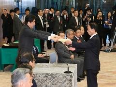 安全功労者内閣総理大臣表彰表彰式-平成27年7月1日
