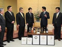 「会津ほまれ」関係者等による表敬-平成28年2月8日