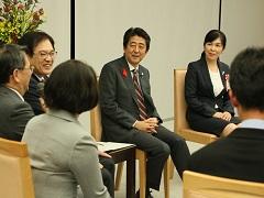 働き方改革に関する総理と現場との意見交換会-平成28年10月13日
