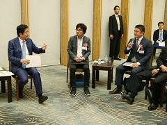 働き方改革に関する総理と現場との意見交換会-平成28年10月19日