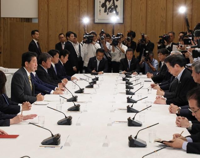 政府与党連絡会議-平成30年9月3日