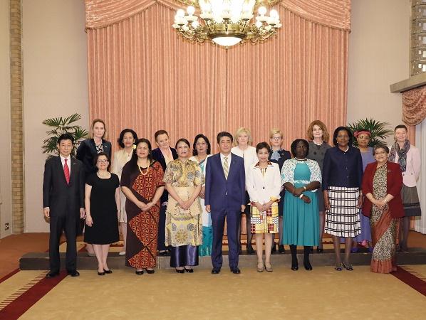 総理主催女性駐日大使との昼食会-平成31年3月14日