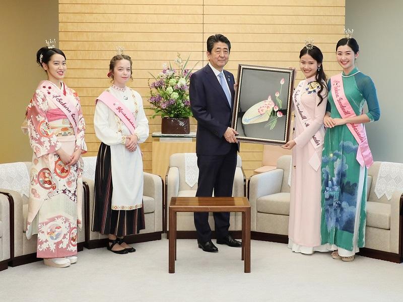 ベトナムさくら親善大使及び2017-2019フィンランド桜の女王等による表敬-平成31年4月12日