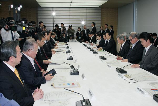 緊急災害対策本部会議及び原子力災害対策本部会議-平成23年5月6日